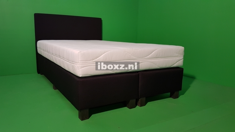Easy Extra BASIC BLACK 120 x 200 met € 150,- KORTING