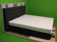 2 persoons Boxspring Chesterfield